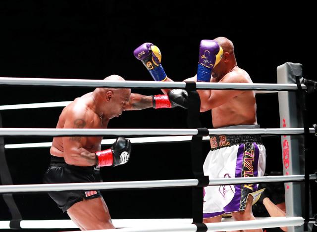 Pemegang Hak Siar Duel Mike Tyson vs Roy Jones Jr Hasilkan Rp 1,1 Triliun (1394)