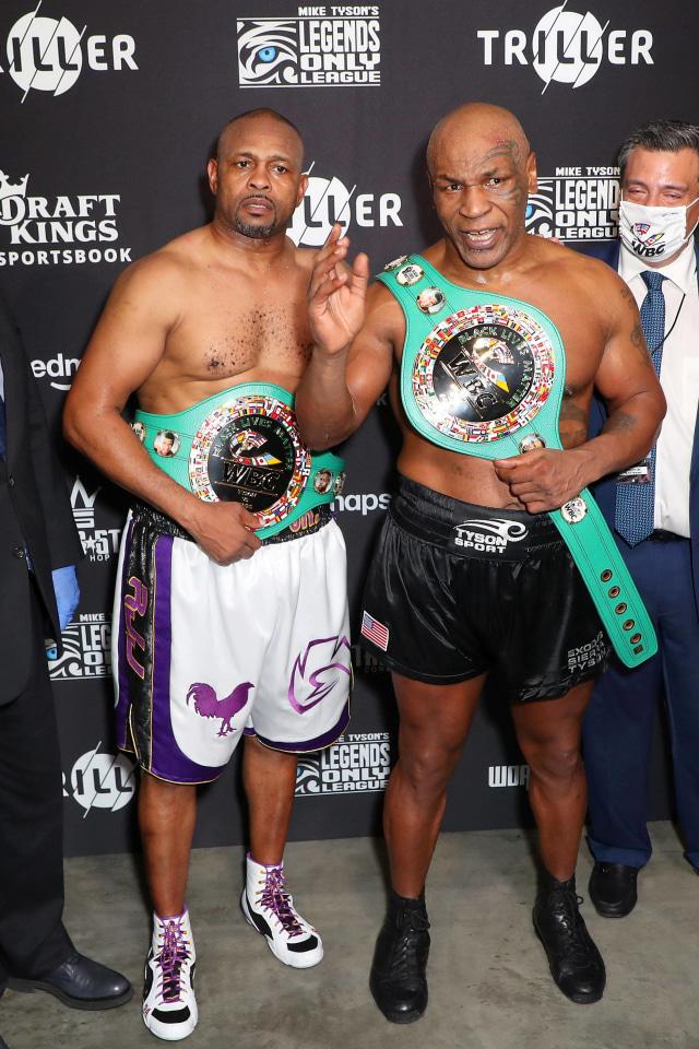 Pemegang Hak Siar Duel Mike Tyson vs Roy Jones Jr Hasilkan Rp 1,1 Triliun (1393)