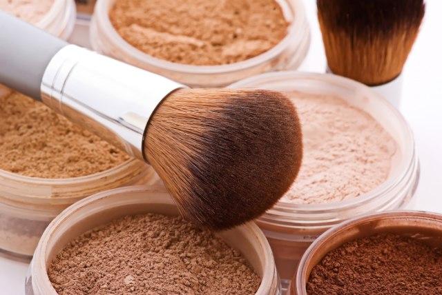 Ketahui 8 Jenis Bedak Beserta Fungsinya, Loose Powder hingga Translucent (14128)