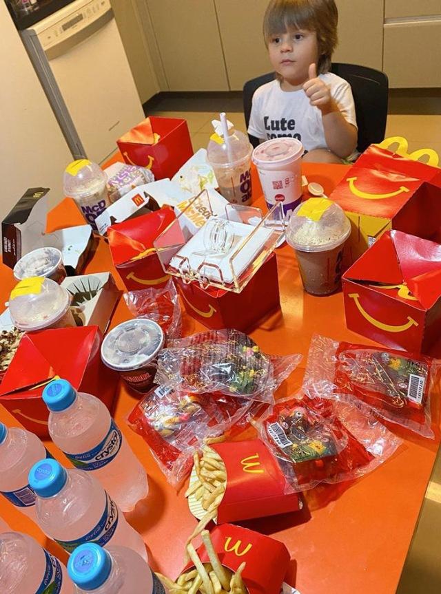 Pakai Ponsel Ibu, Bocah 4 Tahun di Brasil Pesan McDonald's Habis Rp 1 Juta (74313)