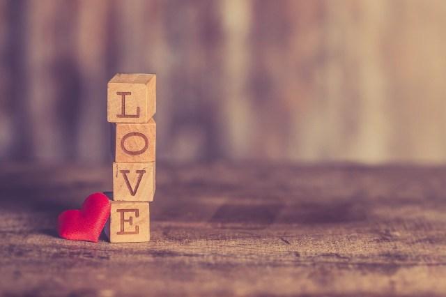 5 Mitos Menarik Yang Beredar Soal Percintaan Kumparan Com