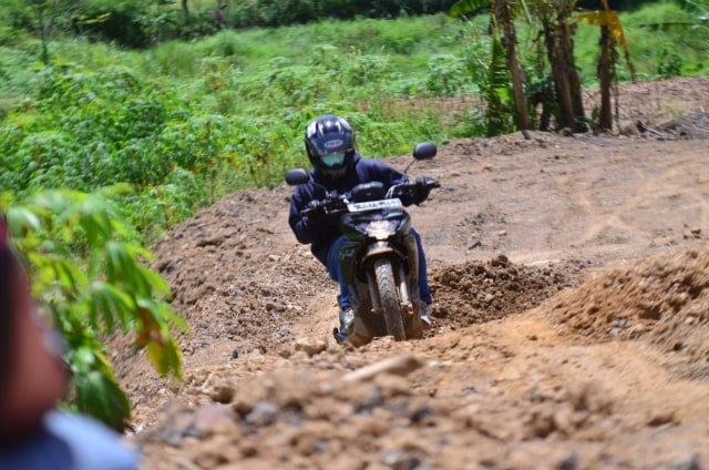 Foto: Menjajal Suzuki Nex Crossover di Aspal dan Habitat Off-Road Ringan (65917)