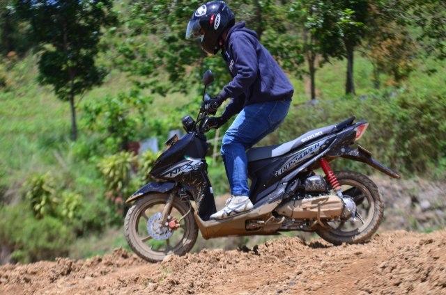 Test Ride Suzuki Nex Crossover, Motor Matik yang Bisa Diajak Main Tanah (69795)