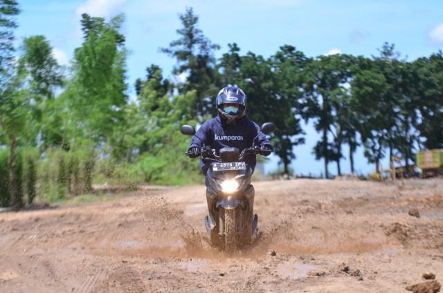 Foto: Menjajal Suzuki Nex Crossover di Aspal dan Habitat Off-Road Ringan (65909)