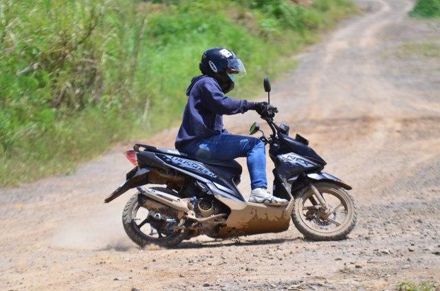 Foto: Menjajal Suzuki Nex Crossover di Aspal dan Habitat Off-Road Ringan (65914)