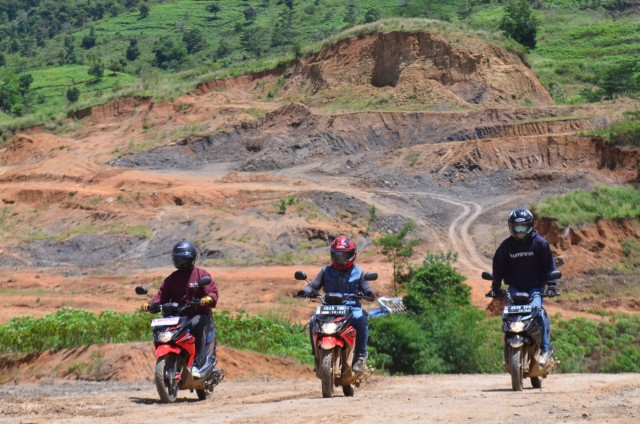 Test Ride Suzuki Nex Crossover, Motor Matik yang Bisa Diajak Main Tanah (142703)