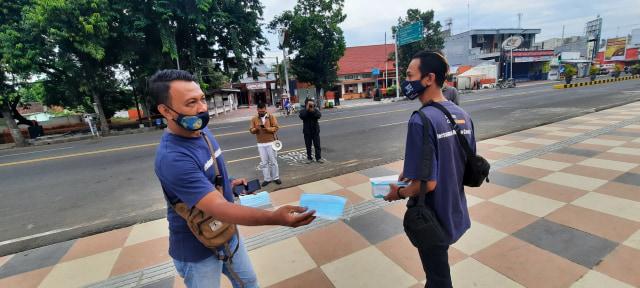 CCFrontier Bagikan Masker di Jawa Timur (315438)