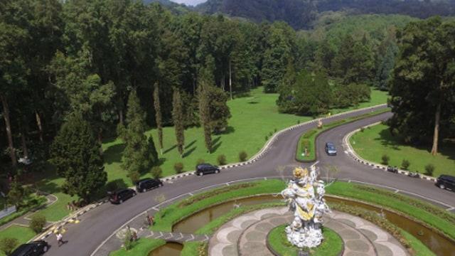 Rekomendasi 5 Kebun Raya di Indonesia untuk Wisata Bersama Keluarga (210101)