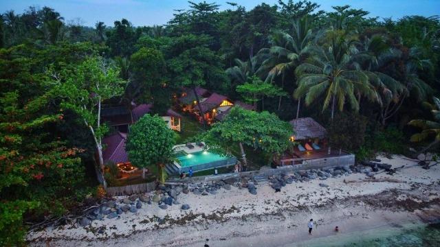 Be Ocean: Berlibur, Menginap, dan Berselancar di Pesisir Barat, Lampung (2250)