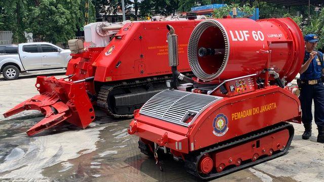 6 Potret Robot Pemadam Kebakaran Seharga Rp40 Miliar Milik Pemda DKI Jakarta (7538)