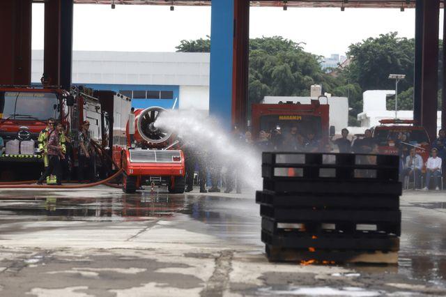 6 Potret Robot Pemadam Kebakaran Seharga Rp40 Miliar Milik Pemda DKI Jakarta (7541)