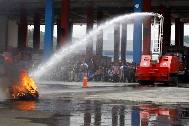 6 Potret Robot Pemadam Kebakaran Seharga Rp40 Miliar Milik Pemda DKI Jakarta (7540)