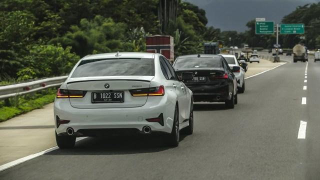 Kumparan Test Drive: Geber BMW 320i Sport di Medan Sesungguhnya (30945)