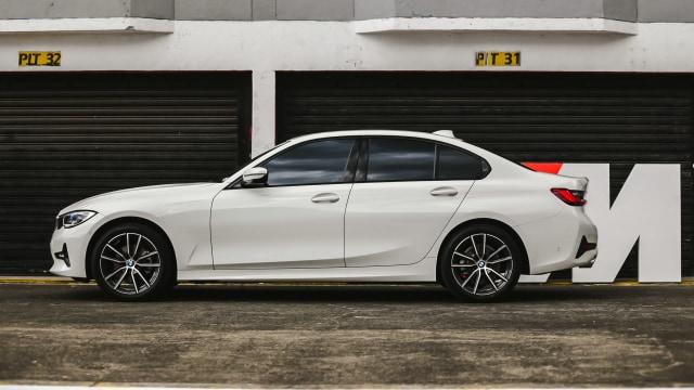 Kumparan Test Drive: Geber BMW 320i Sport di Medan Sesungguhnya (30950)
