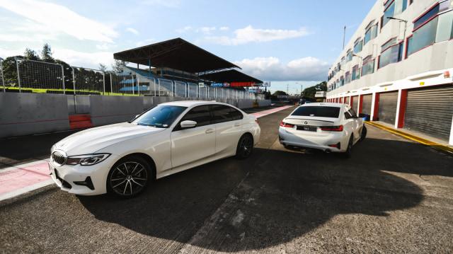 Foto: BMW 320i Sport, Asyik Dikendarai di Jalan Raya dan Sirkuit  (14595)
