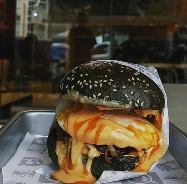 5 Rekomendasi Burger Unik dan Enak di Malang (296295)