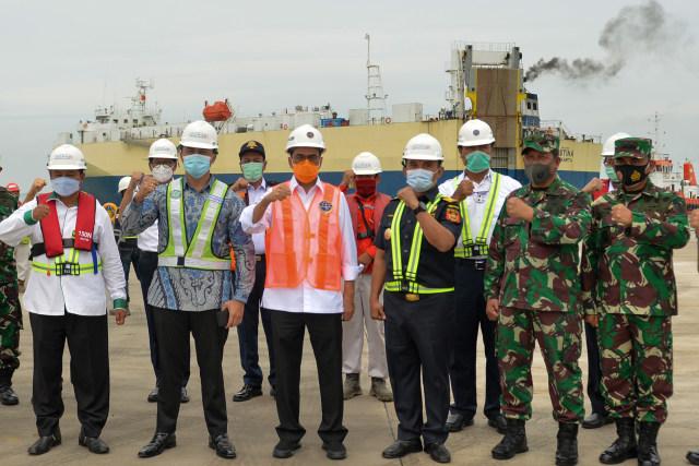 Foto: Menhub Cek Kesiapan Operasional Pelabuhan Patimban di Subang (28295)