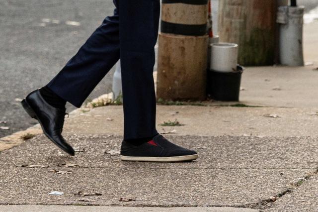 Joe Biden Pakai Sepatu Beda Sebelah saat Hadir Wawancara, Gayanya Jadi Sorotan (45021)