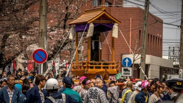 5 Festival dan Tradisi Tak Lazim di Jepang, Termasuk Buang Orang Tua di Hutan (69611)