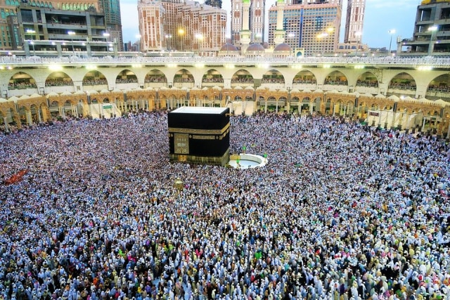 Kisah Pria yang Dilanda Galau dan Pergi ke Mekkah Hanya untuk Salat Jumat (48568)