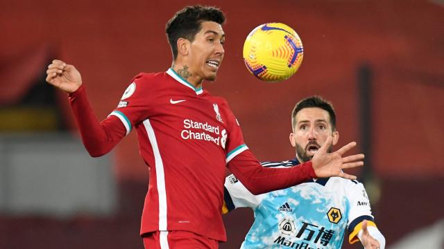 Liverpool vs Wolves: Salah Bikin Gol dan Assist, The Reds Hajar Tamunya 4-0 (30099)