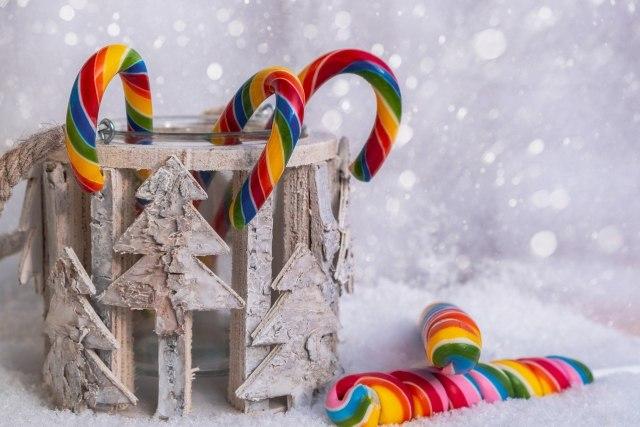 Candy canes, Ornamen Permen Khas Natal yang Jadi Simbolis Keagamaan (385733)
