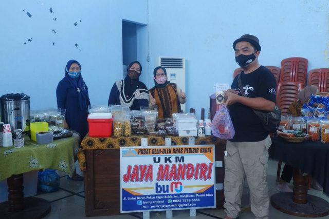 Libatkan Influencer Lampung, Dispar Pesisir Barat Kampanyekan #PiknikPakaiMasker (414655)