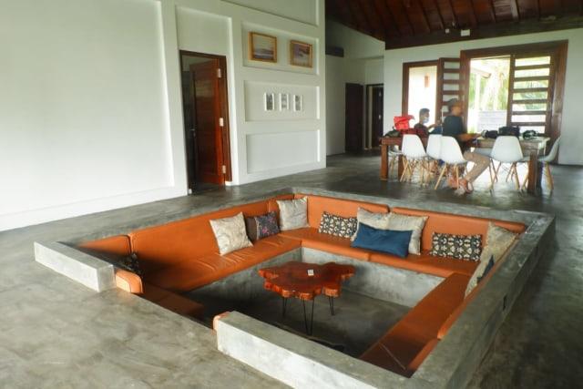 The Surf Villa Ujung Bocur, Penginapan Suasana Perkampungan di Pesisir Barat (199506)