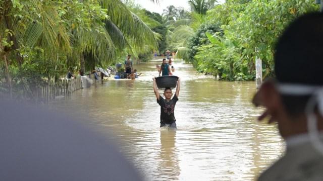 Hadapi Banjir, Bupati Aceh Utara Perintahkan Seluruh Jajarannya Tanggap Bencana (5395)