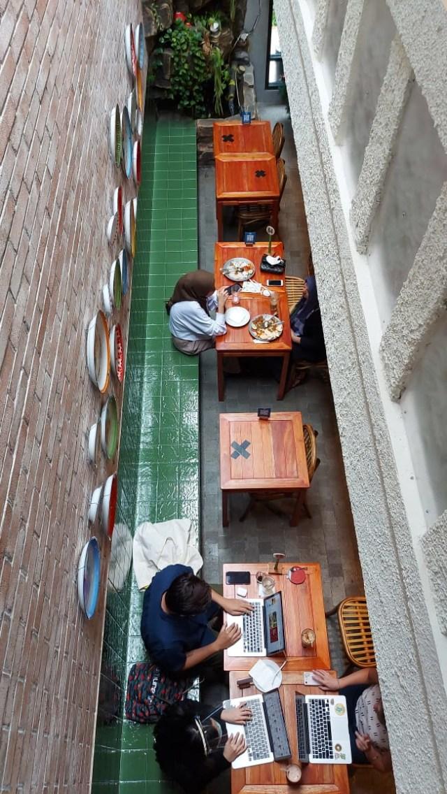 Mikkro Espresso, Tempat Ngopi Kekinian yang Nyaman buat Bekerja Sambil Ngemil! (154388)