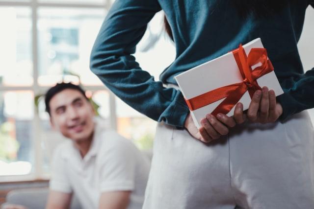 5 Rekomendasi Hadiah yang Cocok untuk Pria Aktif dan Sporty (28992)