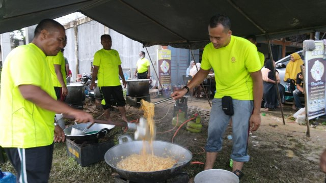 Banjir Aceh: Danrem 011 Lilawangsa Siagakan 'Pasukan Khusus' TNI Bantu Pengungsi (122547)