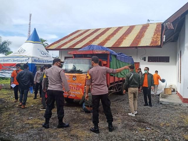 KPU Ngada Sudah Distribusikan Logistik Pemilu ke 151 Desa  (8771)
