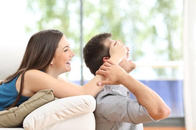4 Kelebihan Memiliki Pasangan yang Usianya Lebih Tua (49941)
