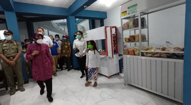 Sentra Kuliner Dolly Dibuka, Wali Kota Risma: Aku Sing Endorse, Mosok Gak Payu? (274312)