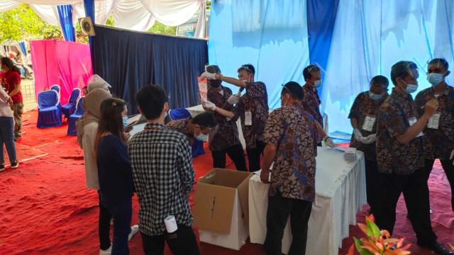 Paslon Pilwalkot Tangsel Unggul di TPS Masing-masing (67379)