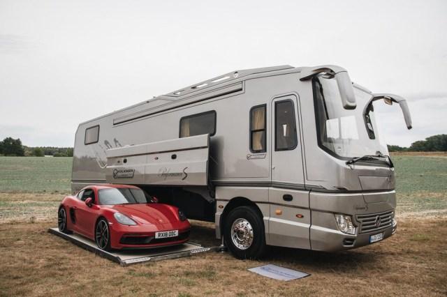 Berita Menarik: Fitur All New Honda PCX 160; Bus Mewah yang Punya Garasi Mobil (109468)
