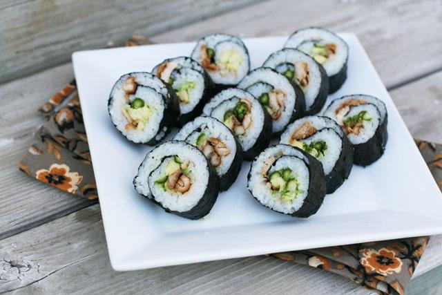 Resep Sushi Rumahan yang Bisa Dibuat dengan Mudah (37817)