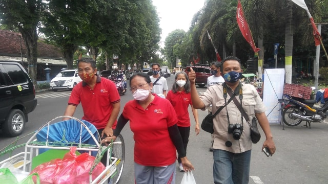 SDK Indra Siswa Bondowoso Gandeng CCF Turun ke Jalan (13212)