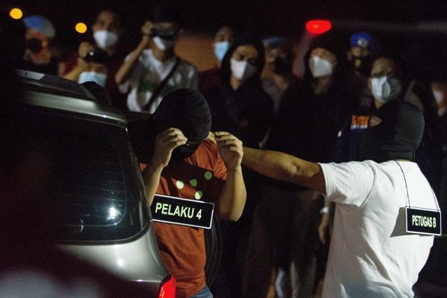 SMRC: 38% Warga Nilai Polisi Langgar HAM soal Tembak Mati Pengawal Rizieq (512500)