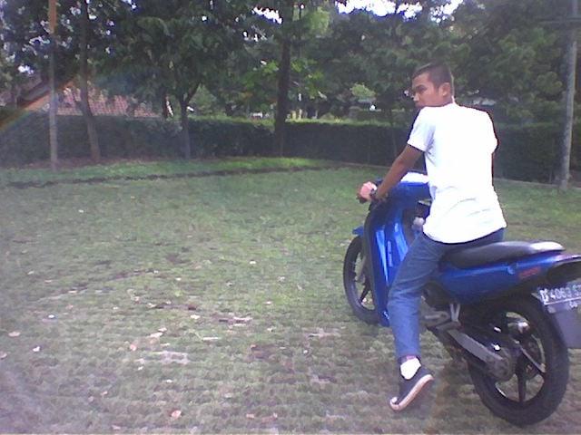 Motor-motor di Hidup Saya (12690)