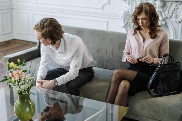 5 Tanda Hubunganmu dengan Pasangan Sebaiknya Berakhir (384522)