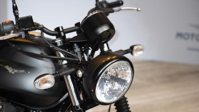 Paling Murah Rp 475 Juta dan Kemas Mesin V-Twin, Moto Guzzi V7 Terbaru Meluncur (46368)