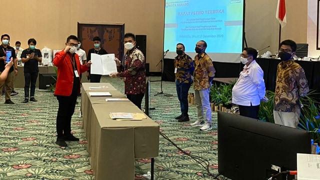 KPU Tetapkan Andrei Angouw-Richard Sualang Pemenang Pilkada Manado (346154)