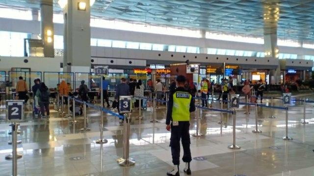 KKP Bandara Soetta Jawab soal Turis Asing Membeludak: Ada 200-an, Mau Karantina (22620)