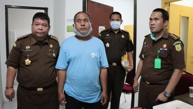 DPO Kasus Korupsi Kredit Fiktif Rp 41 M di Bank BPD Sulselbar Menyerahkan Diri (228500)