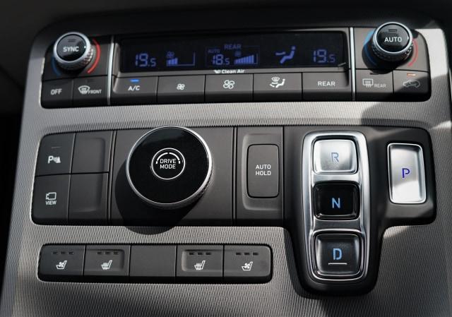 Berita Populer: Transmisi Matik Tombol Hyundai; Skutik Kymco Lawan NMax (93182)
