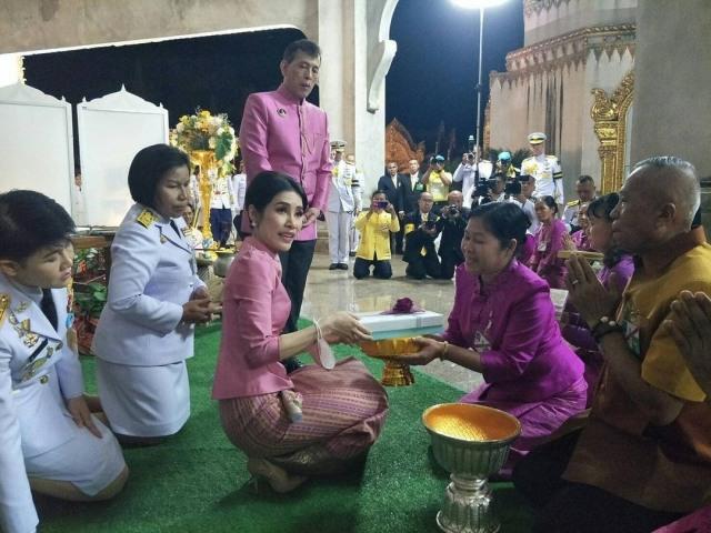 Sempat Tersangkut Skandal, Selir Raja Thailand Kembali Hadiri Acara Kerajaan (37072)
