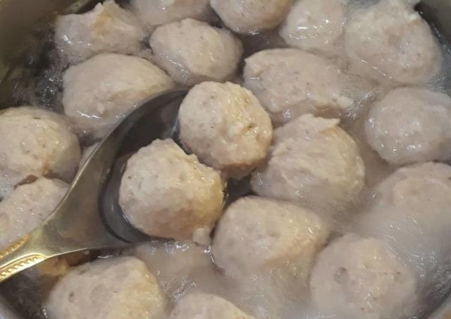 Resep Bakso Ayam Super Kenyal Enak Dan Praktis Kumparan Com