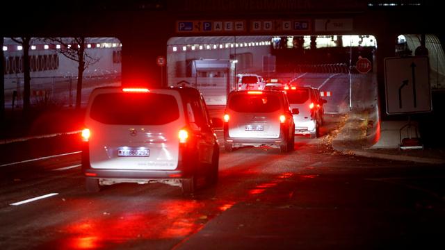 Berita Menarik: Berkendara Malam Hari Irit BBM; Diskon PPnBM Mobil 2.500 cc (250352)